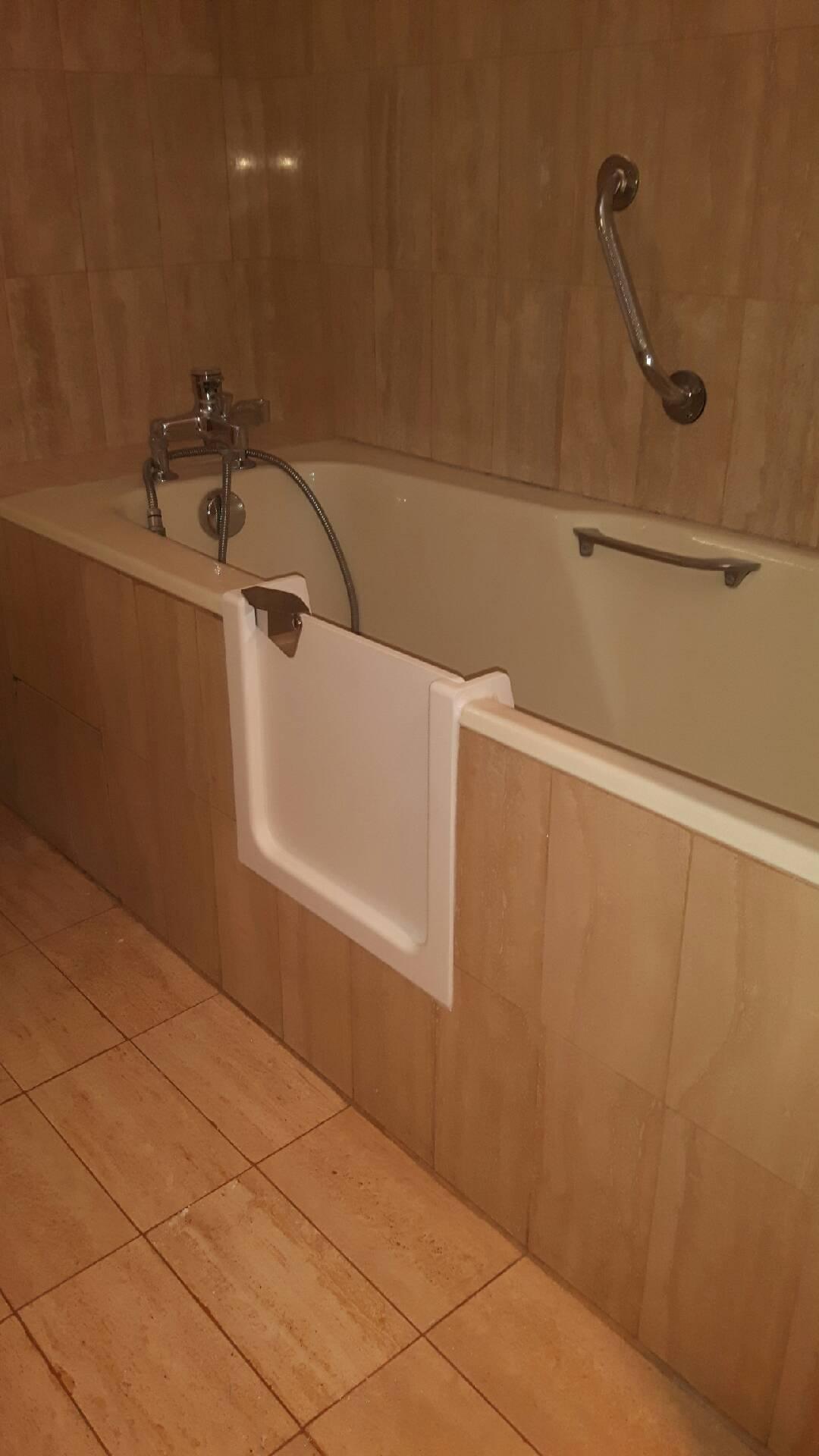 Poser Une Baignoire Avec Rebord découpe latérale de baignoire bordeaux - renovbain