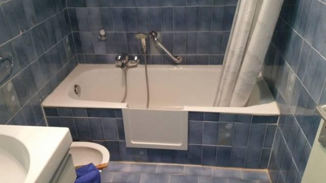 ouverture de baignoire avec portillon anti éclaboussures à juan les pins dans les alpes maritimes en région paca