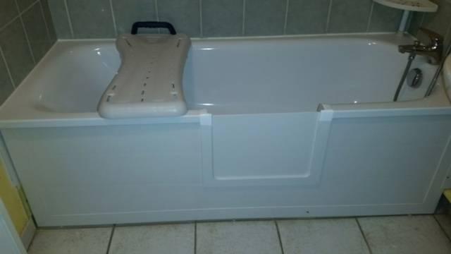 ouverture de baignoire avec portillon anti éclaboussures à six fours les plages dans le var en région paca
