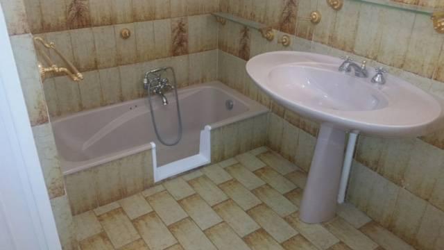 Ouverture de baignoire sans portes à Toulon dans le var en région paca 83000