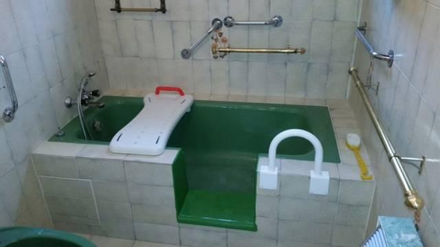 transformer une baignoire en un bac de douche grenoble 38. Black Bedroom Furniture Sets. Home Design Ideas