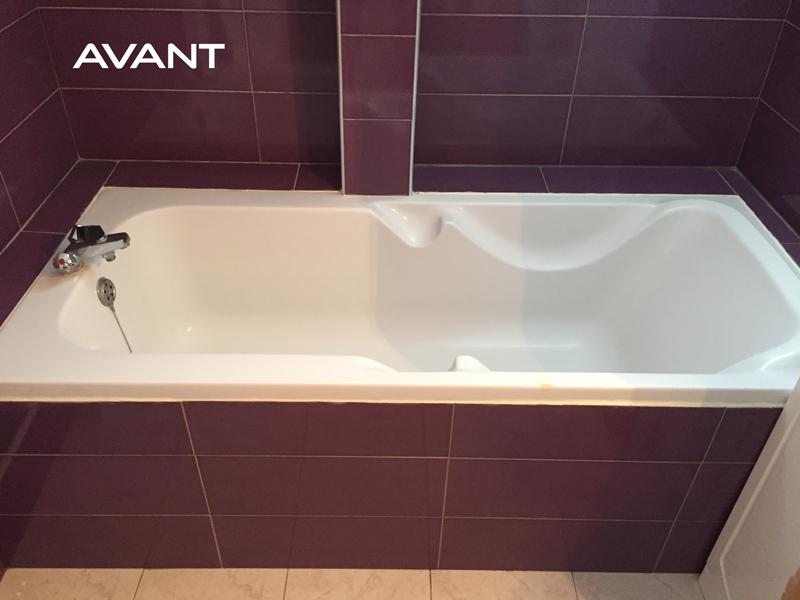 Ouverture de baignoire avec portillon anti-éclaboussures