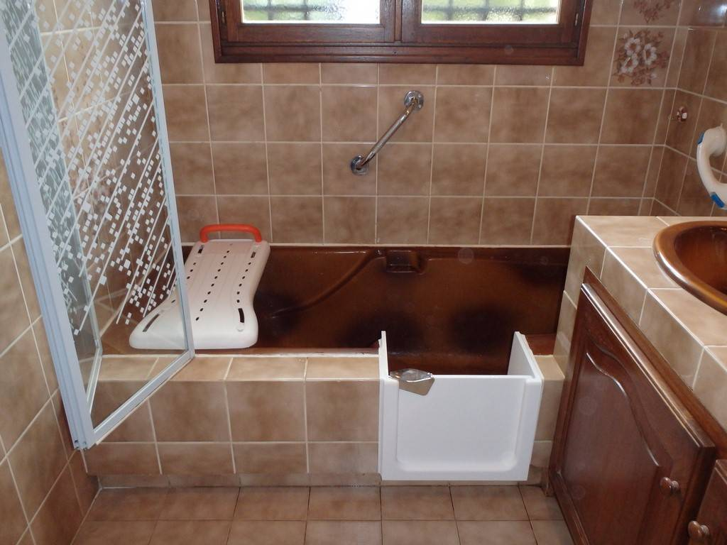 installation d 39 une porte sur votre baignoire bordeaux region sud ouest renovbain. Black Bedroom Furniture Sets. Home Design Ideas