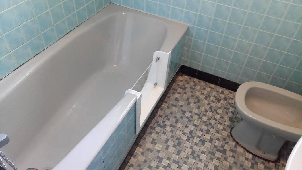 r novation de baignoire paris et toute la france renovbain. Black Bedroom Furniture Sets. Home Design Ideas