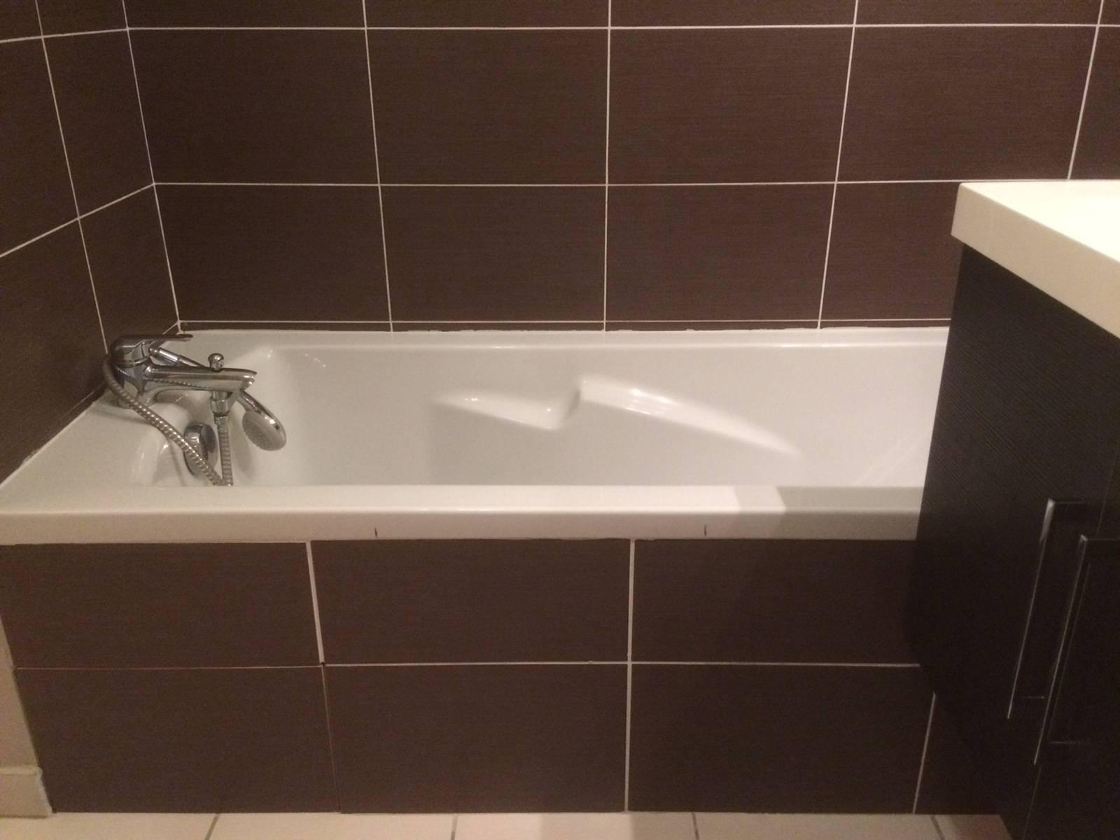 ouverture de baignoire avec porte tanche renovbain. Black Bedroom Furniture Sets. Home Design Ideas