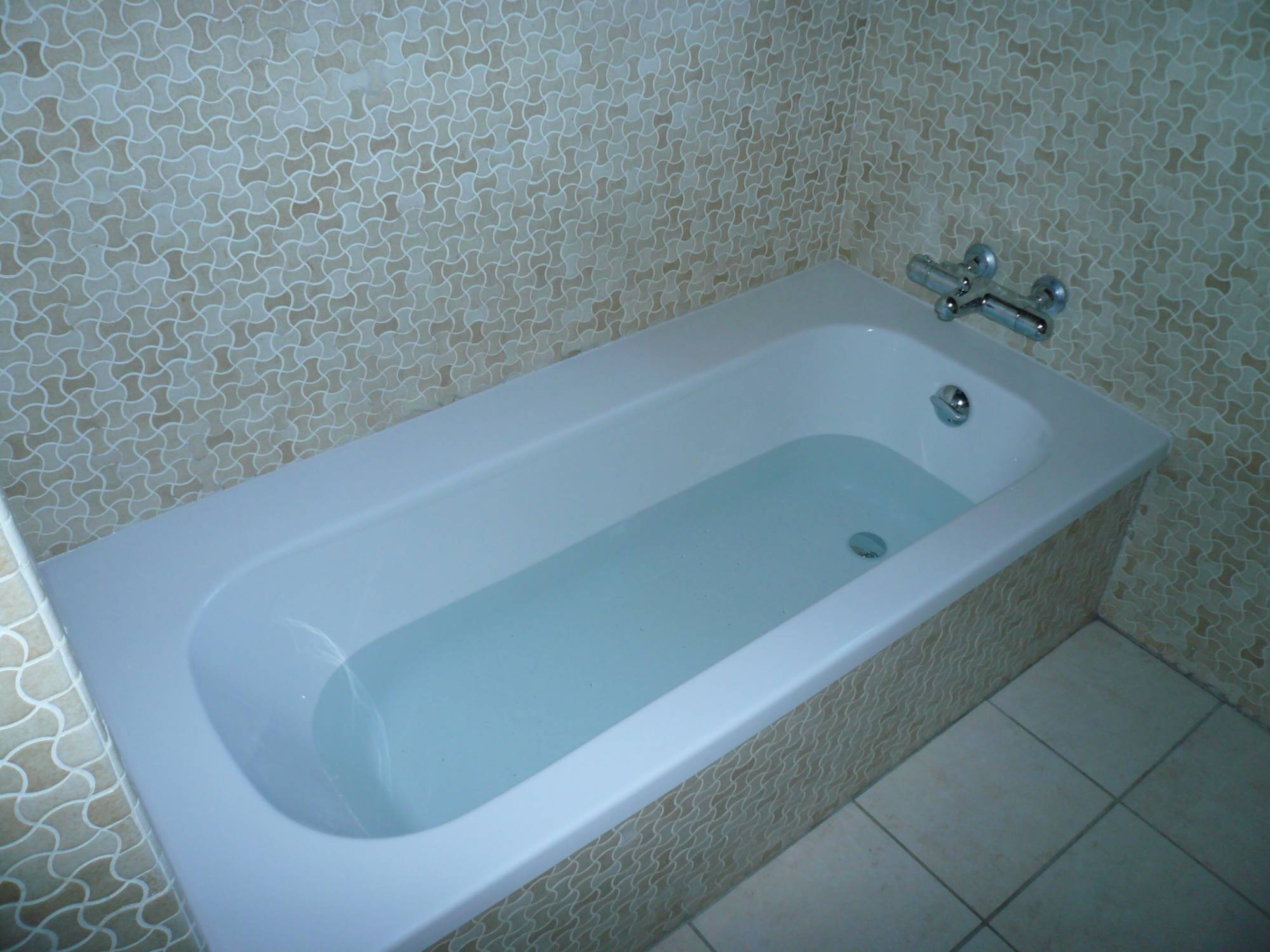 Baignoire Fibre De Pierre comment bien choisir sa baignoire ? - housquare le blog