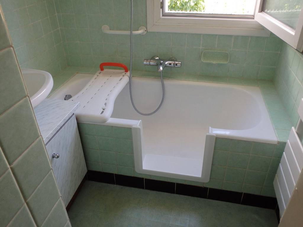 Transformation de baignoire pour éviter l'enjambement par RENOVBAIN