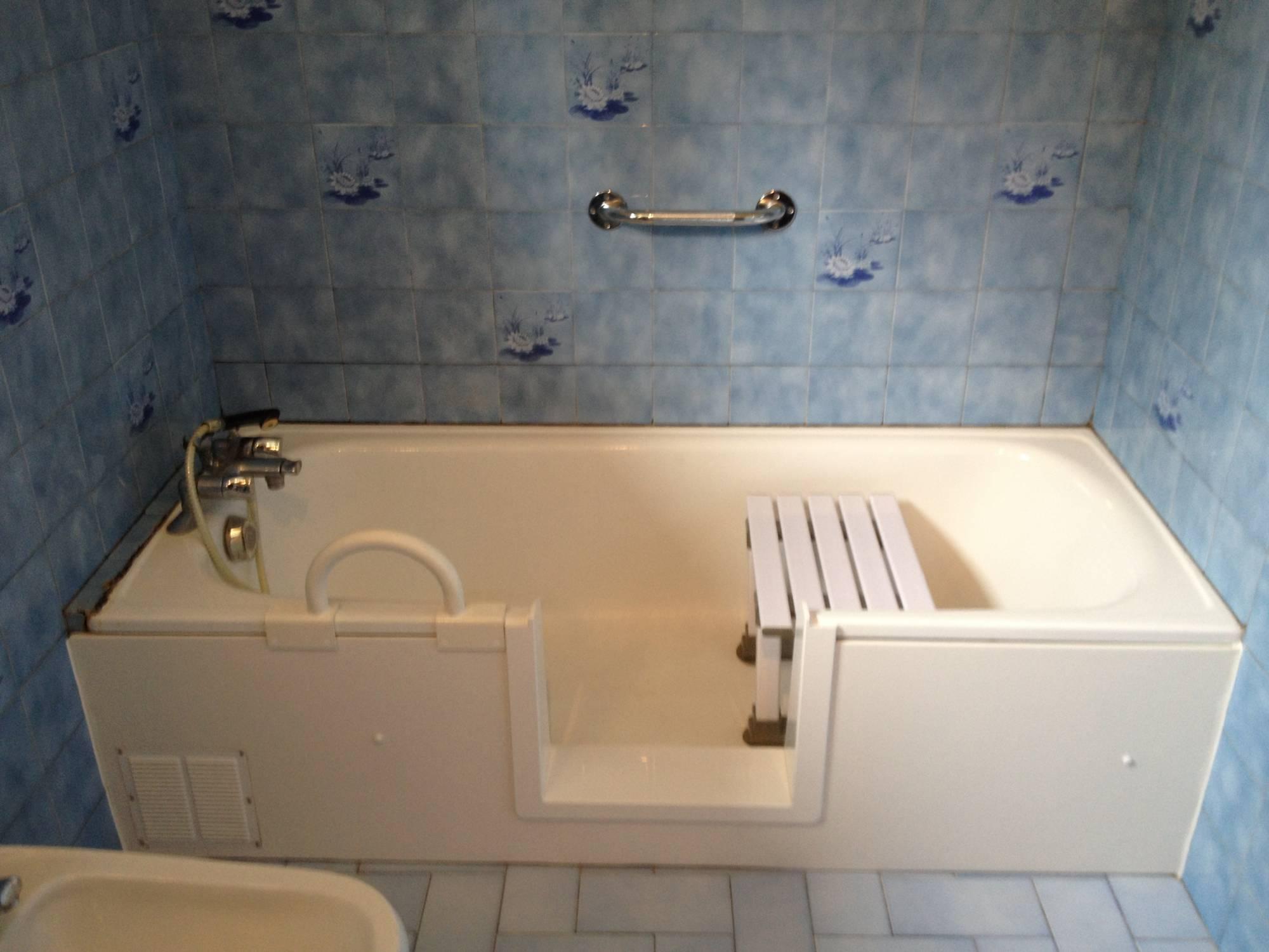 Aide Pour Sortir De La Baignoire devis pour une découpe de baignoire à toulouse dans le