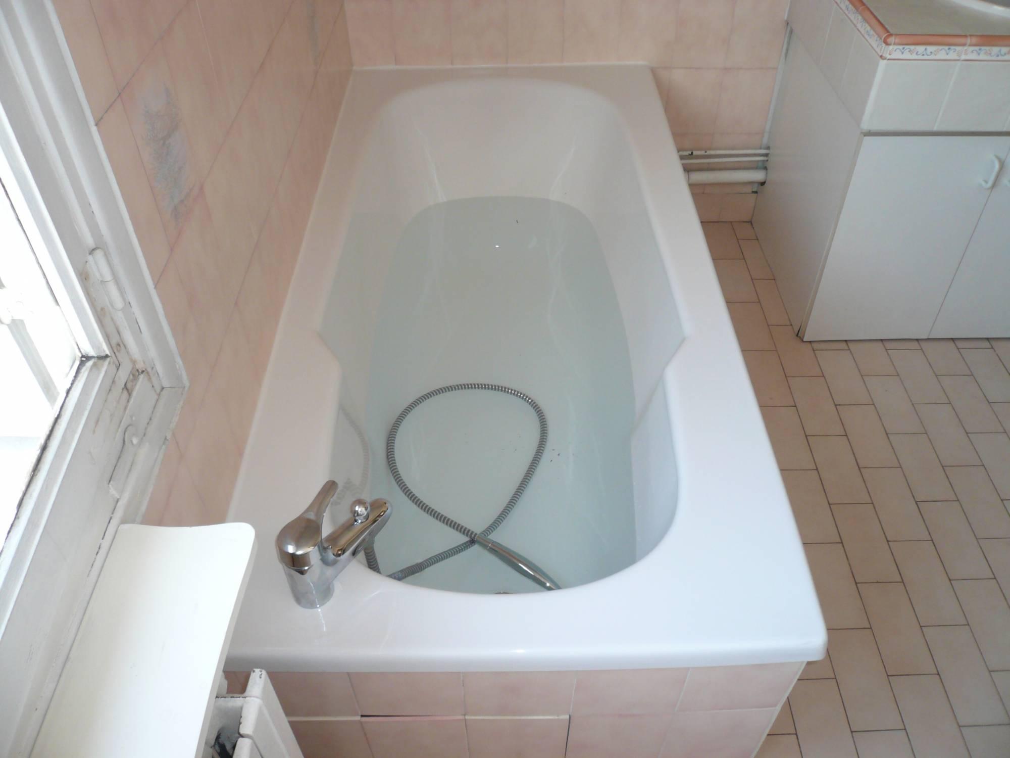 r novation de baignoire bordeaux renovbain. Black Bedroom Furniture Sets. Home Design Ideas