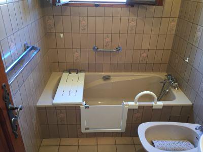 baignoire avecportillon anti eclaboussure